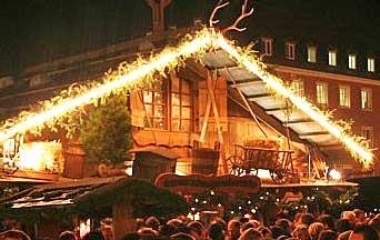 Weihnachtsmarkt Würzburg.Heiner Distel Feuerzangenbowle Gbr Würzburg München Ingolstadt